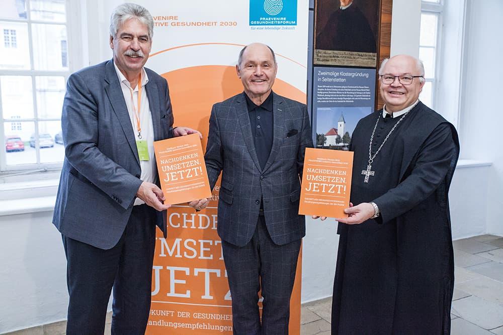 Hans Jörg Schelling, Wolfgang Sobotka und Petrus Pilsinger setzen im Rahmen der PRAEVENIRE Gesundheitstage im Stift Seitenstetten auf die zukunftsweisenden Impulse des Weißbuchs.
